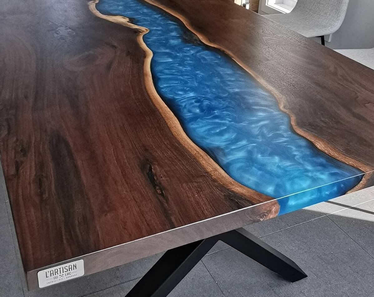 Table Rivière d'époxy avec R-Cast de Ryver